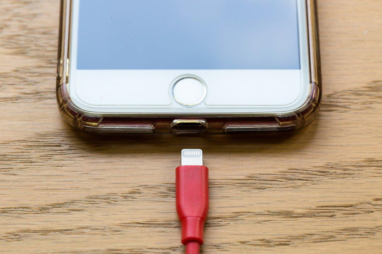 Os apps que acabam com o bateria do seu celular