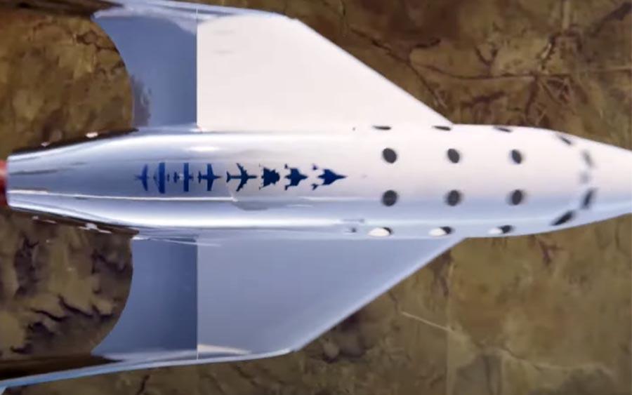 Richard Branson viaja ao espaço em foguete da Virgin Galactic