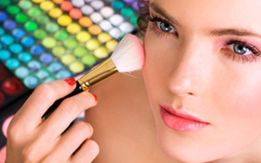 Apps trazem curso de maquiagem online grátis