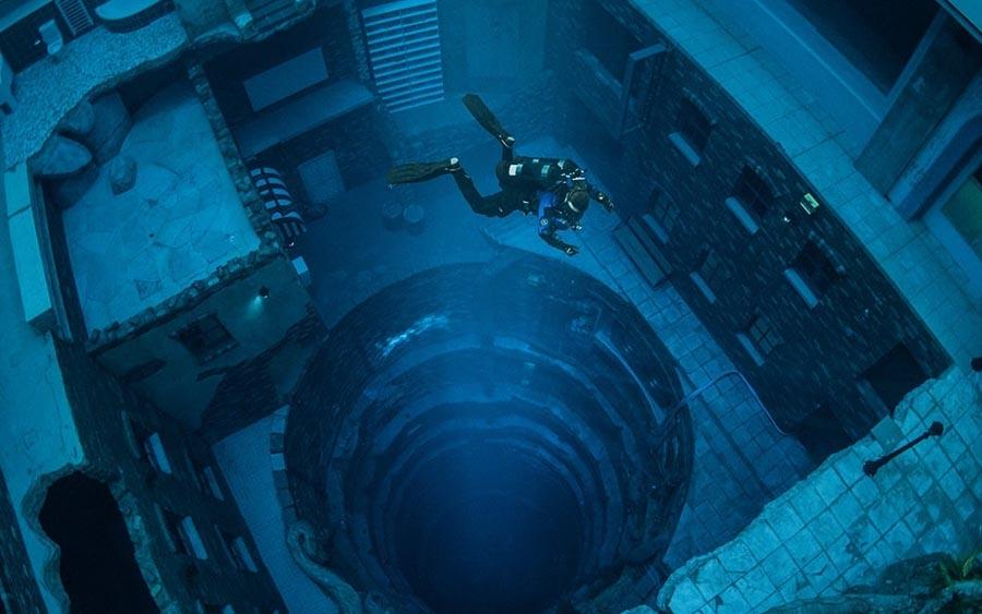 Dubai tem a piscina mais profunda do mundo