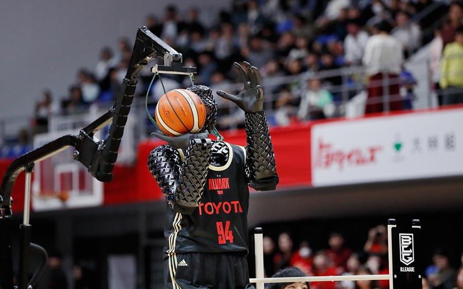 Robô cestinha dos Jogos Olímpicos vira destaque no Japão